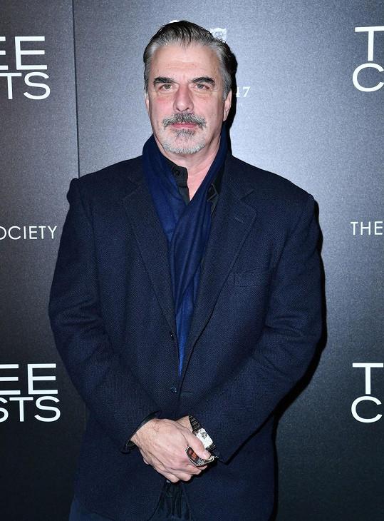 Chris Noth vyzval obyvatele New Yorku, aby dodržovali karanténu.