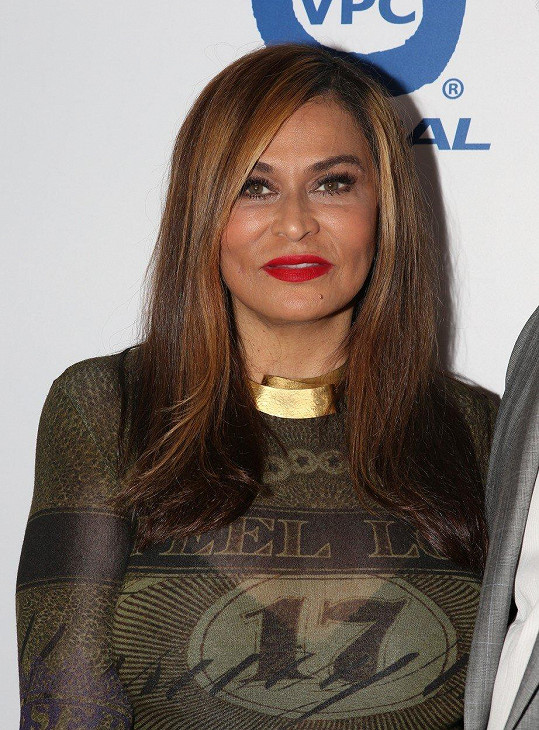 Tina Knowles je atraktivní i po šedesátce.
