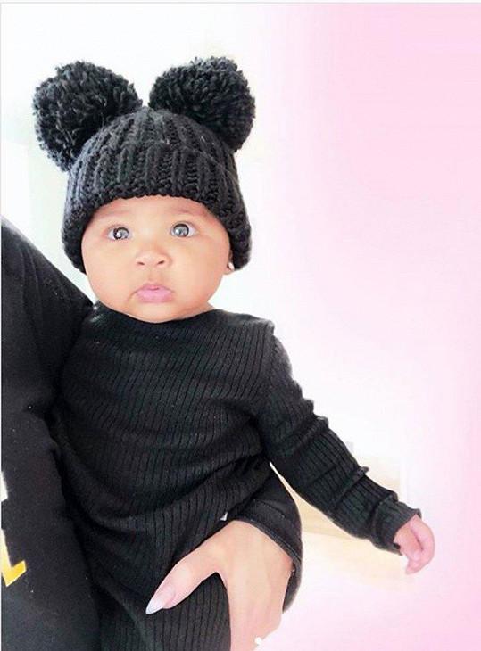 Maminkou se poprvé stala i Khloé Kardashian, má roztomilou dcerku True.
