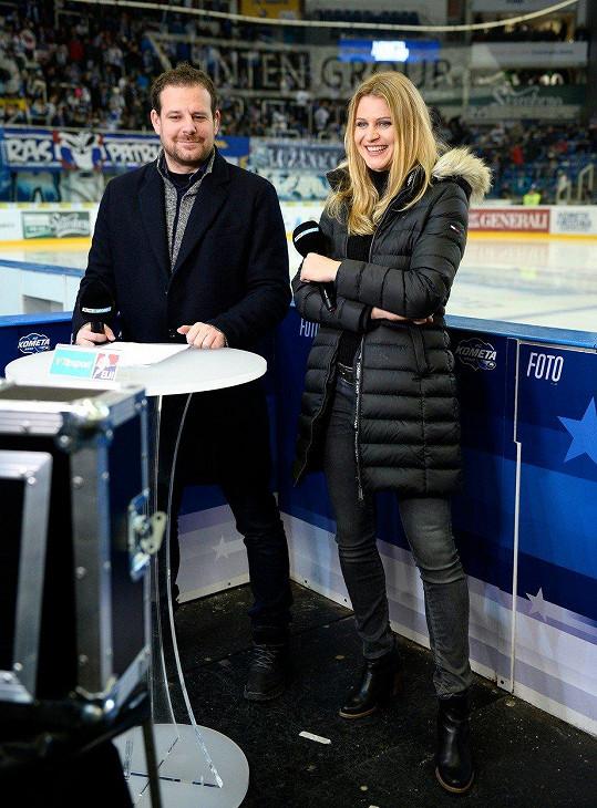 Lucie Šafářová s moderátorem Janem Homolkou