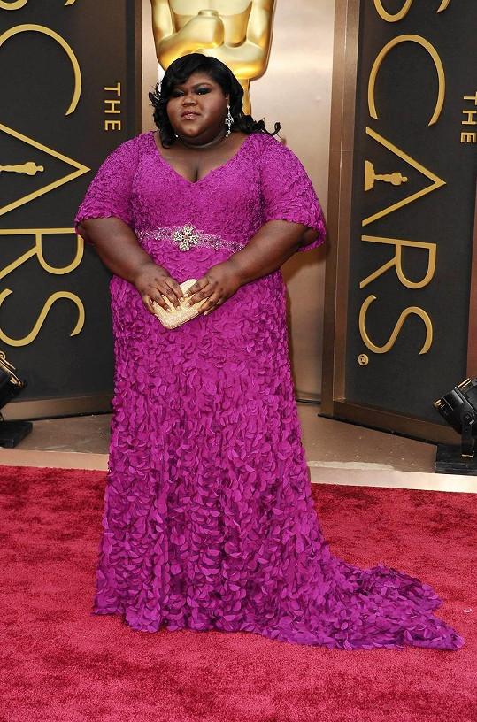 Prostorově výrazná herečka Gabourey Sidibe to náhodou tentokrát docela zvládla. Stylisté měli jistě s touto klientkou hodně práce, ale výsledek není tak zlý, když si uvědomíme, jak vypadá herečka v reálu.