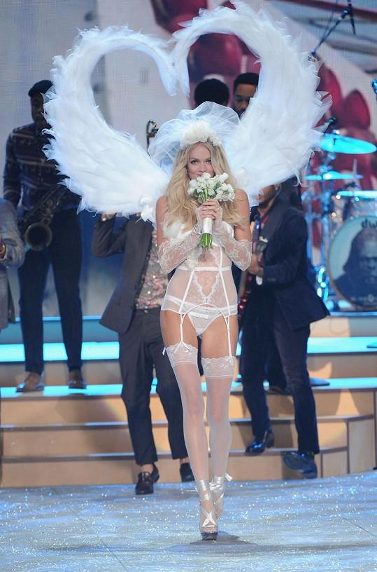 Takhle Linday 'přibrala' na přehlídku Victoria's Secret Fashion Show...