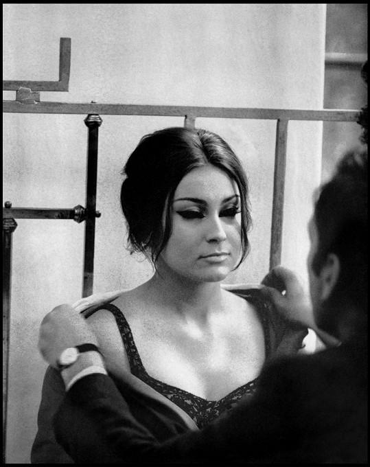 Ve filmu Muž, který lže, si zahrála s Jeanem-Louisem Trintignantem.