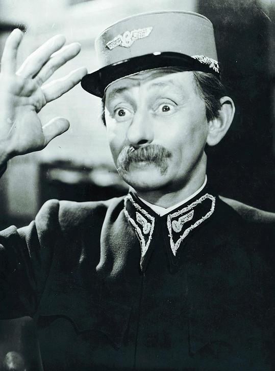 Oblíbený herec měl uniformy rád (Přednosta stanice).