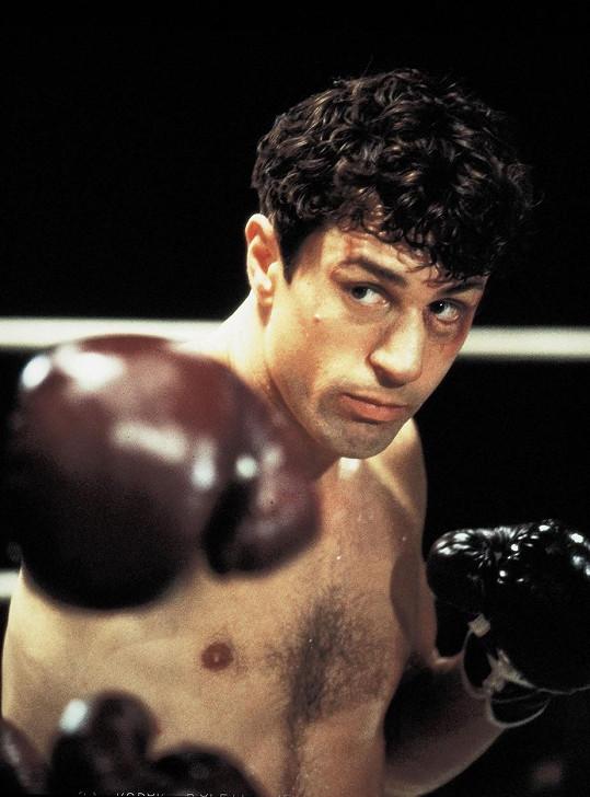 Pro roli Jaka LaMotty v Zuřícím býkovi přibral 30 kilo svaloviny.