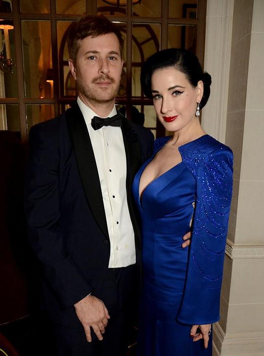 Dita Von Teese a její aktuální přítel Adam Rajcevich. Randí spolu už 7 let.