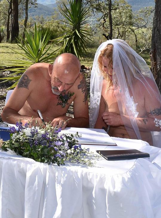 Naturistická svatba Jeffa a Sue