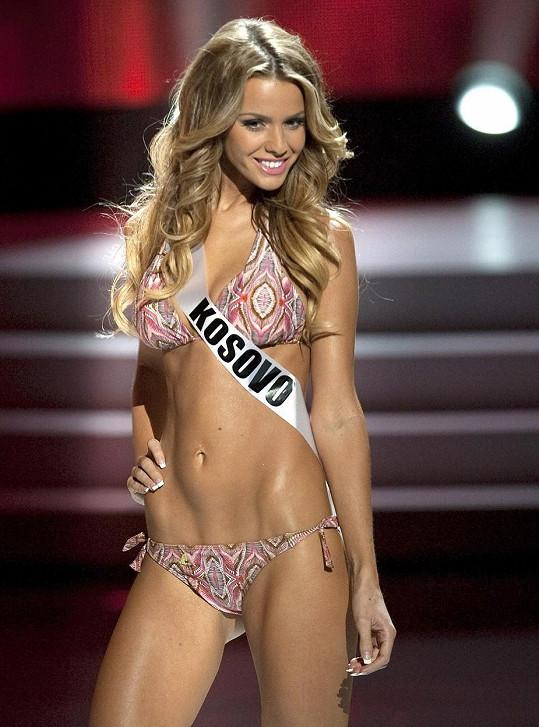 Aferdita Dreshaj v roce 2011 oslňovala na Miss Universe.