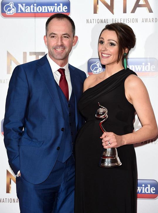 Suranne Jones s manželem Laurencem Akersem na lednovém předávání National Television Awards, odkud si také odnesla cenu.