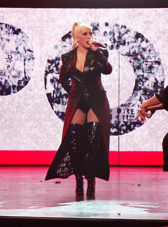 Aguilera vítala nový rok koncertem v Las Vegas.