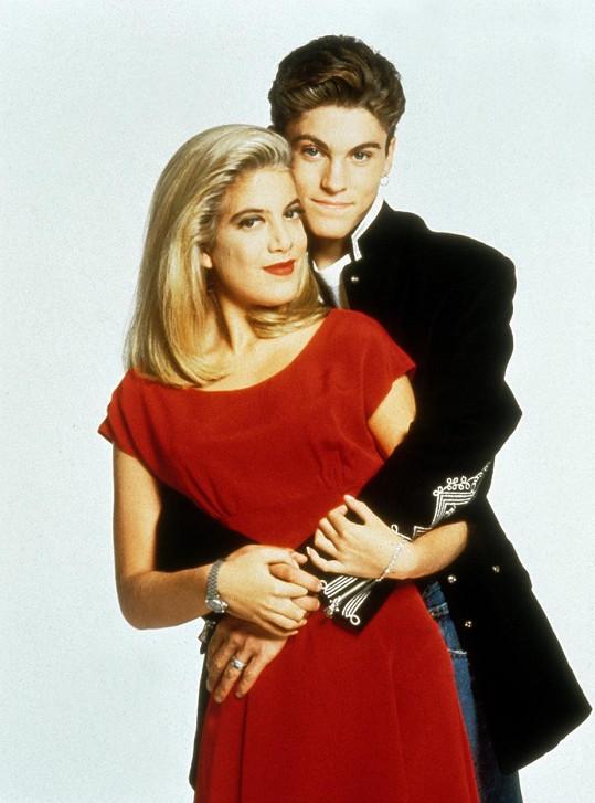 Brian Ausitn Green a Tori Spelling v seriálu Beverly Hills 90210