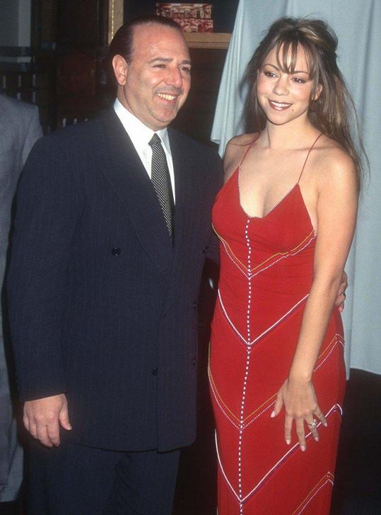 Poprvé se provdala v roce 1993 za Tommyho Mottolu.