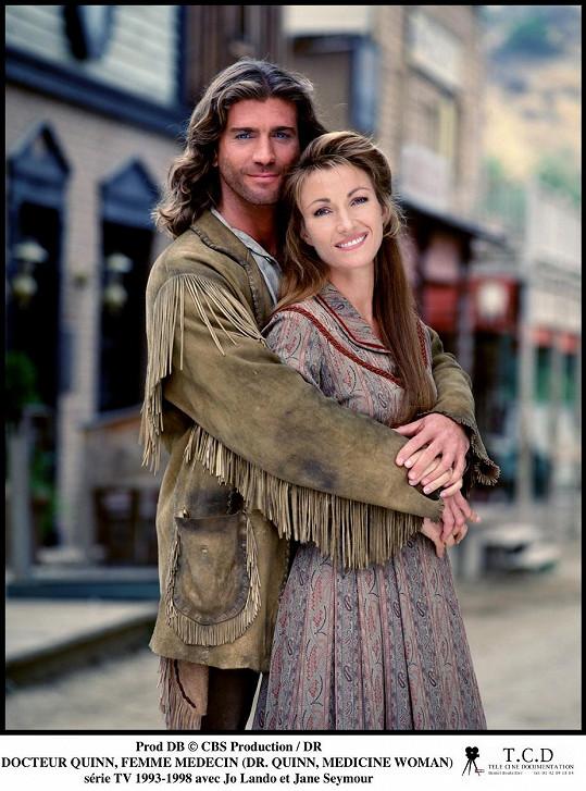 Jane Seymour a Joe Lando jako Michaela Quinnová a Byron Sully ve slavném seriálu