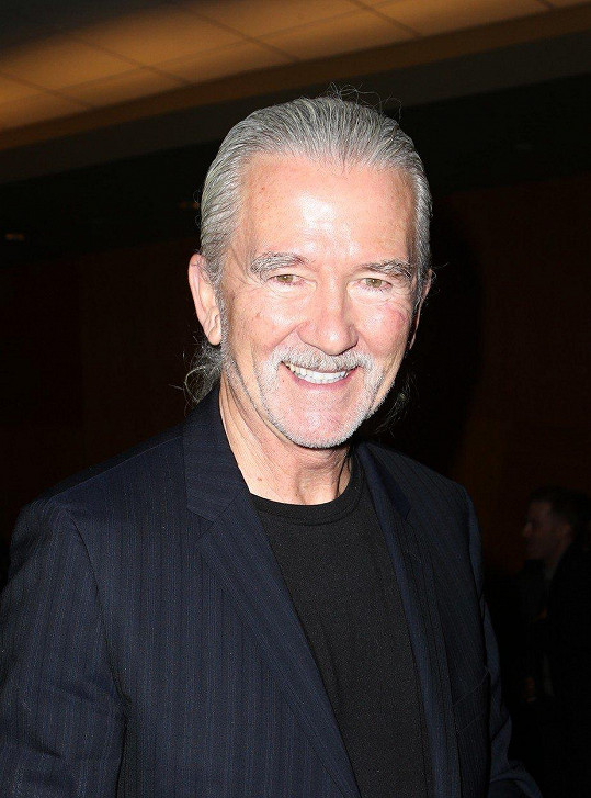 S bílým culíkem se objevil i v epizodě seriálu Americká manželka.