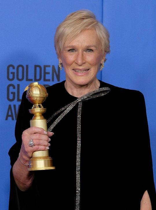 Cenu ale získala Glenn Close za Ženu.
