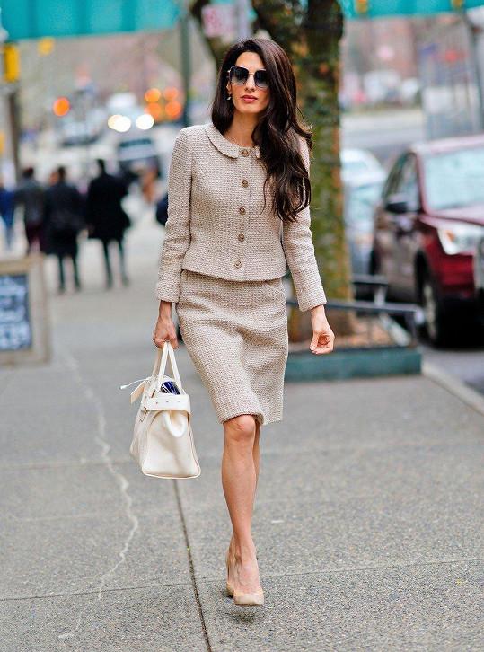 Amal se snaží vypadat vždy elegantně.