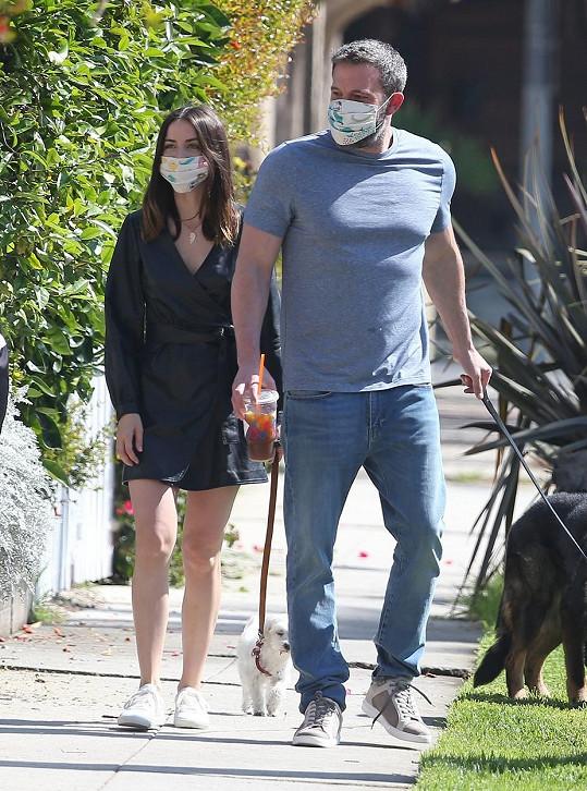 Ben Affleck a Ana de Armas momentálně patří k nejsledovanějším hollywoodským párům.