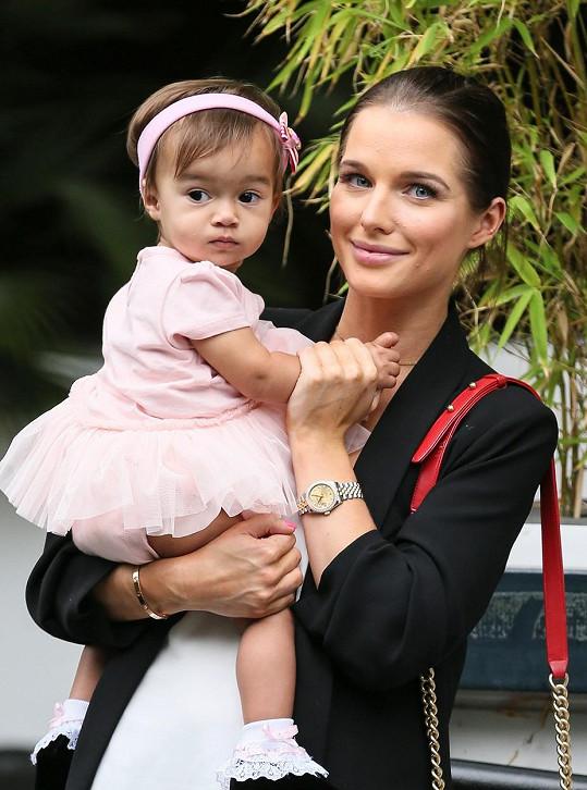 Helen s dcerkou Matildou, která dala jejímu životu nový smysl.