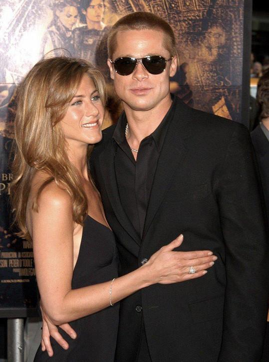 Brad Pitt se ukázal na oslavě narozenin své bývalé.