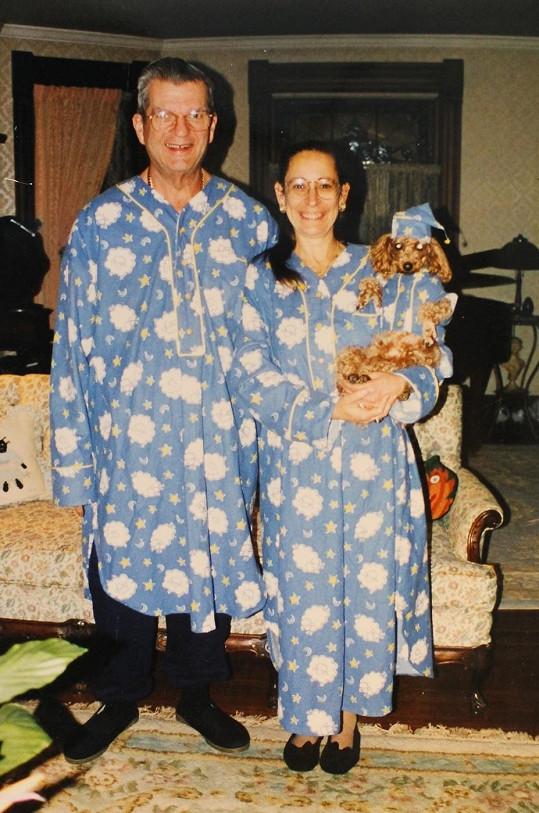 Nancy a Donald Featherstoneovi mají zálibu ve stejných outfitech.