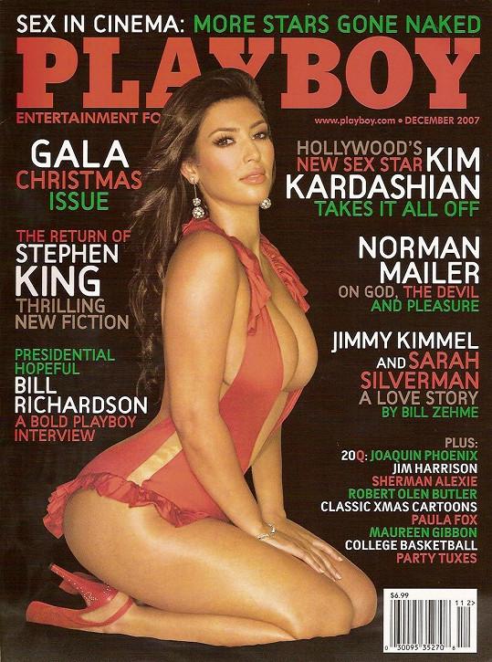 Na obálce pánského časopisu zapózovala před lety i její sestra Kim Kardashian.