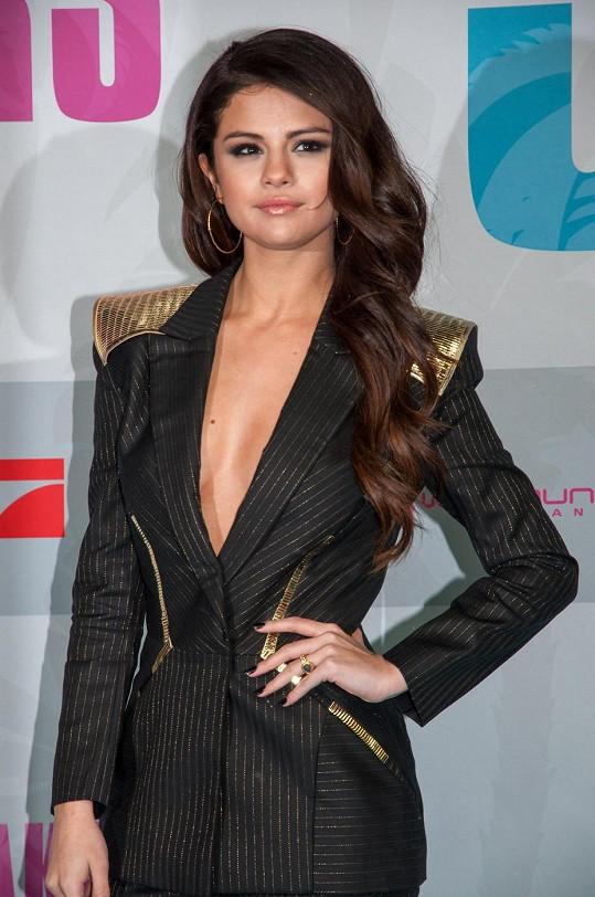 Selena Gomez nadchla svým vzhledem na premiéře filmu Spring Breakers v Berlíně.