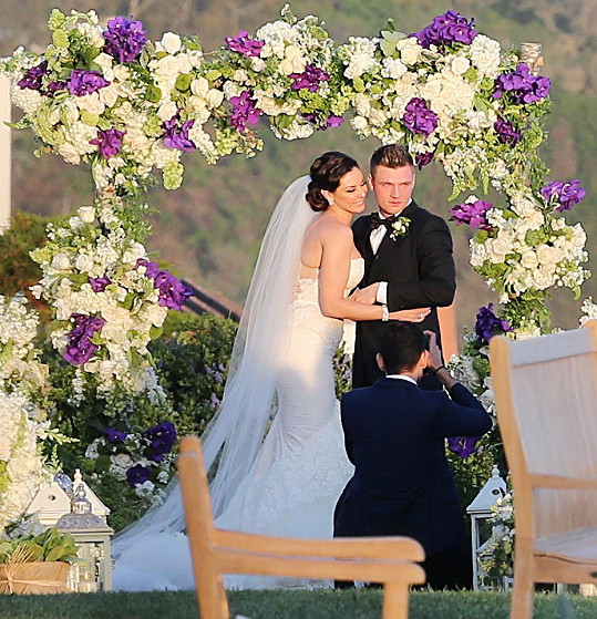 Nick a Lauren loni vstoupili do manželství.