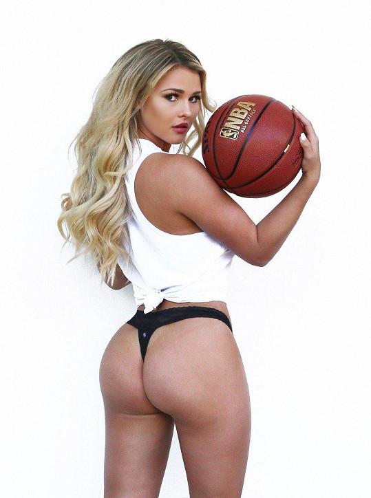 Kinsey Wolanski už má nějaké to sexy focení za sebou.