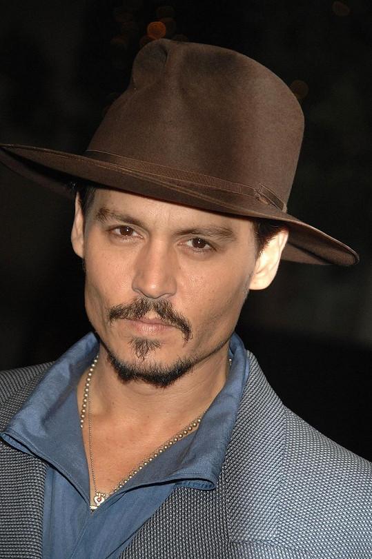 Johnny Depp patří k nejatraktivnějším hercům.