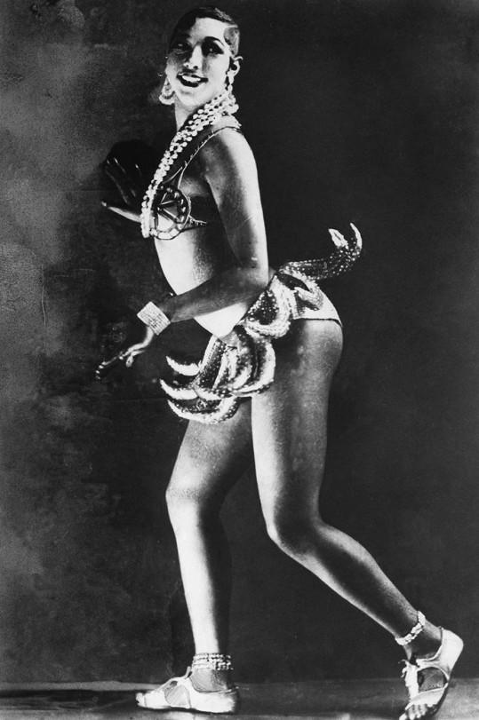 Portrét z roku 1926 a slavný kostým s banány, který fascinoval i Zitu Kabátovou.
