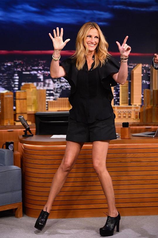 V televizi předvedla své nekonečně dlouhé nohy.