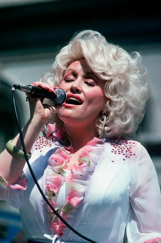 Dolly Parton na začátku let osmdesátých.