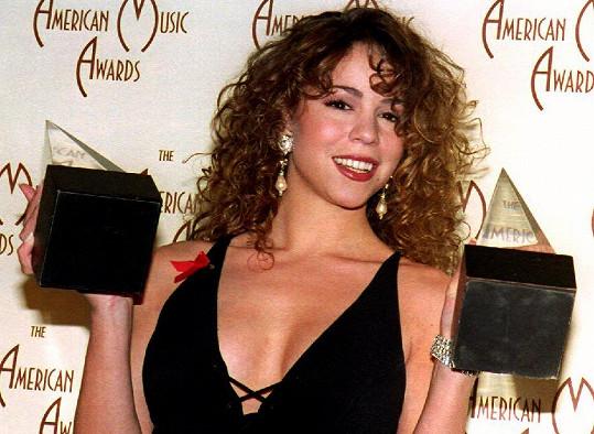 V devadesátých letech získala několik ocenění včetně ceny Grammy.