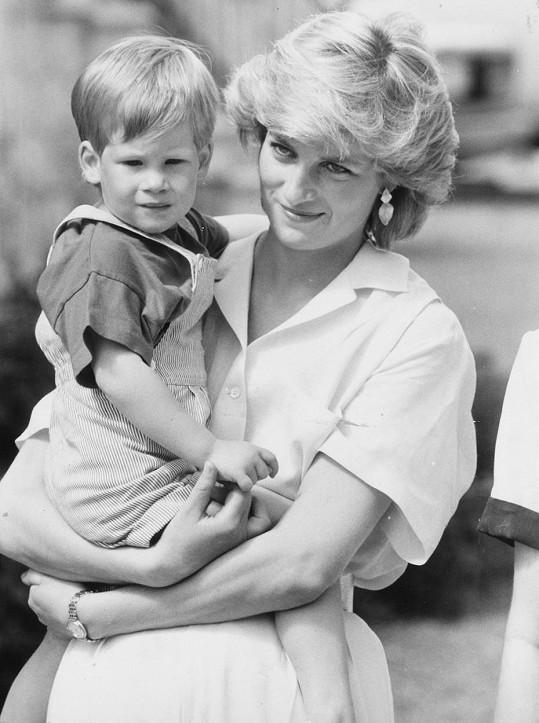 Harry s matkou Dianou na snímku z roku 1987. S jejím odchodem se vyrovnával dlouho a těžce.