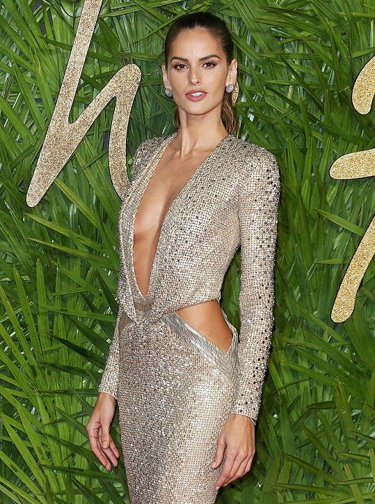 Izabel měla na Fashion Awards ty nejodvážnější šaty.