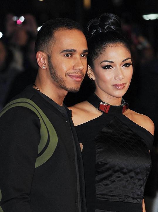 Na hudbu se nově vrhl i Lewis Hamilton, který prý ve svých textech píše o vztahu s Nicole.