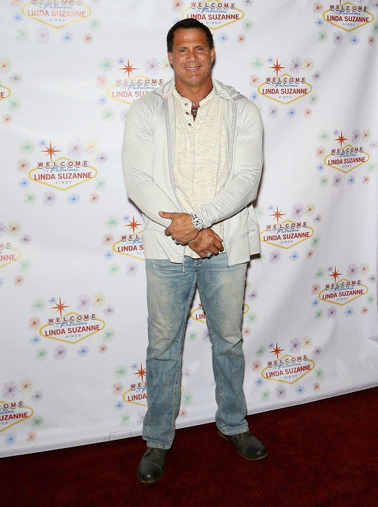 Otcem modelky je bývalý baseballový hráč José Canseco.