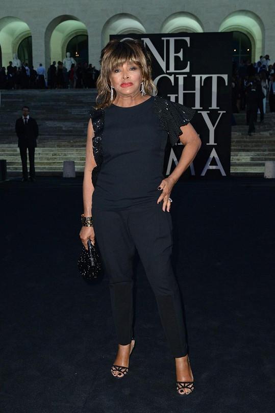Tina Turner je i v pokročilém věku atraktivní dámou.