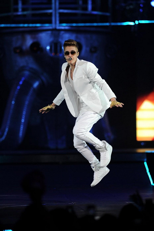 Justin Bieber začíná nad svou slávou ztrácet kontrolu.