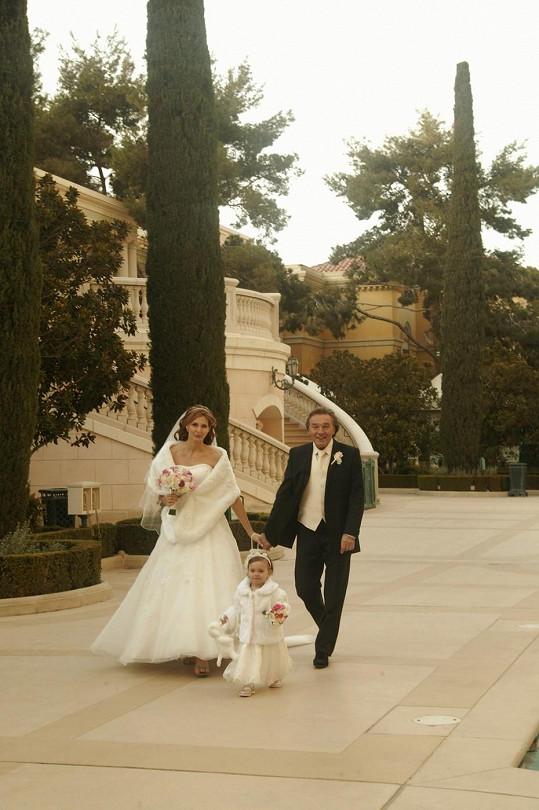 Karel Gott se s Ivanou oženil v lednu roku 2008.
