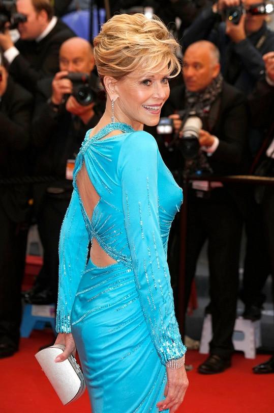 Slavná herečka zářila na červeném koberci v Cannes.