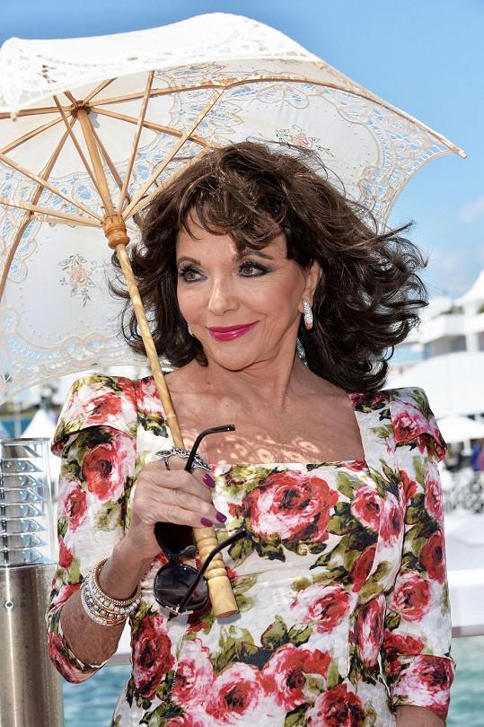 V Cannes zastínila i podstatně mladší kolegyně.