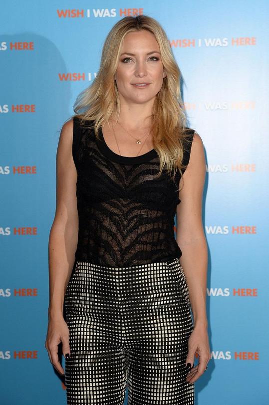 Kate sklidila chválu za outfit i herecký výkon.