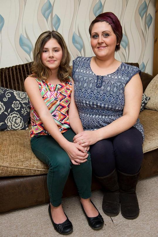 Jedenáctiletá Jayde začala zvracet i více než čtyřicetkrát denně a lékaři byli přesvědčeni, že je těhotná.