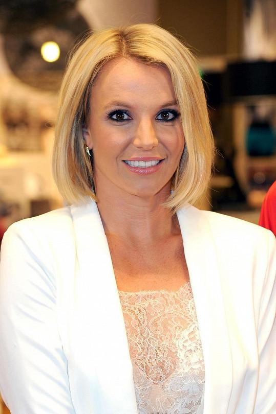 Britney Spears v mikádu prokoukla!