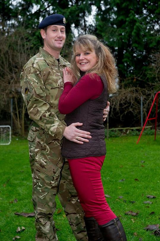 Anikka Price s pyšným manželem Jamiem po úspěšné dietě.