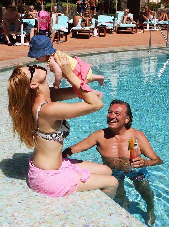 Ivana, Karel a pětiměsíční Charlottka...