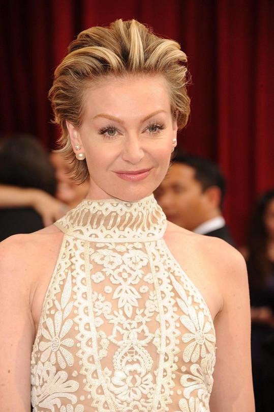 Portia de Rossi na galavečeru nemohla chybět, její manželka Ellen DeGeneres akci moderovala.