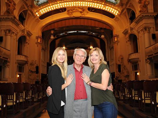 Dcera a vnučka se pustily do organizace koncertu Vadima Petrova.