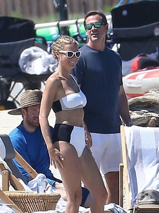 Přál si Brad, aby jeho Angelina vypadala v plavkách jako Gwyn?